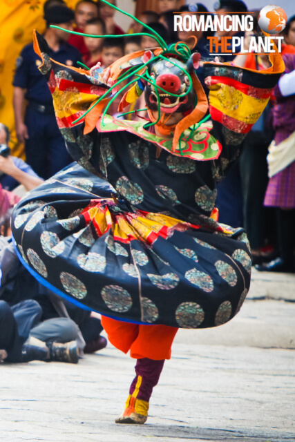 Monks perform mask dance during domchoe