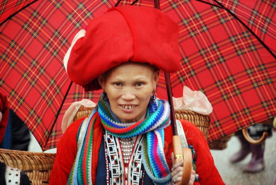 Red Dzao Women