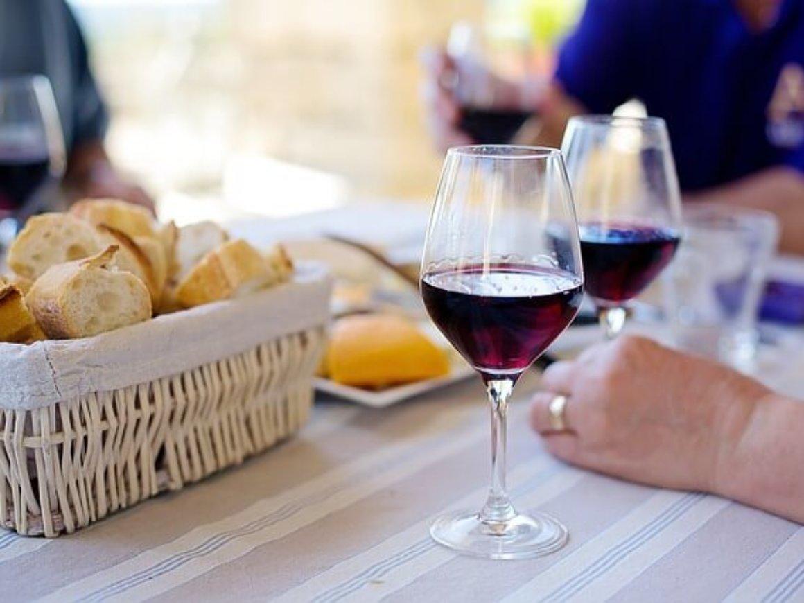 red-wine-1433498_640