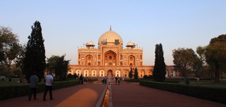 india - bucket list for thirty's traveler