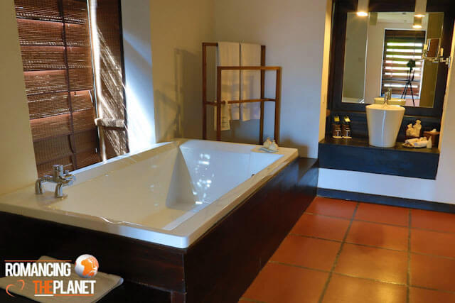 Jacuzzi bathtub is what you want when you pay big dollars