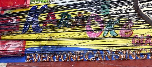 Karaoke Club - Yes, everyone can sing