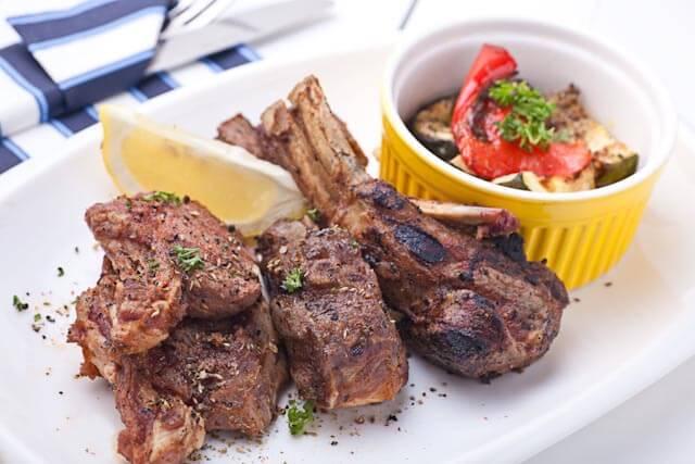 Paidakia stin Sxara - Lamb Chops, goes well with Greek red wine